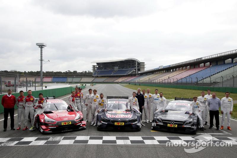 Gruppenfoto: Die DTM-Fahrer 2017 mit Dieter Gass, Audi; Jens Marquardt, BMW; Ullrich Fritz, Mercedes