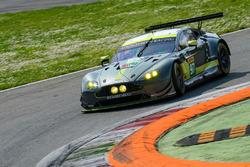 №97 Aston Martin Racing Aston Martin Vantage: Даррен Тёрнер, Джонатан Адам