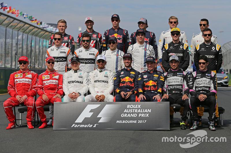 Gruppenfoto der Formel-1-Fahrer 2017
