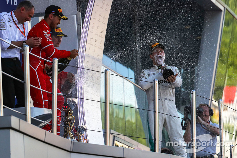 Tony Ross, Mercedes AMG F1 Race Engineer , Valtteri Bottas, Mercedes AMG F1, Sebastian Vettel, Ferrari and Kimi Raikkonen, Ferrari