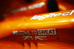 """""""Welcome to Great Britain"""" branding on a McLaren MCL32"""