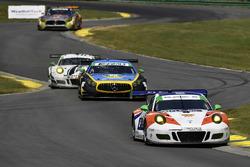 #54 CORE autosport Porsche 911 GT3R: Jon Bennett, Colin Braun