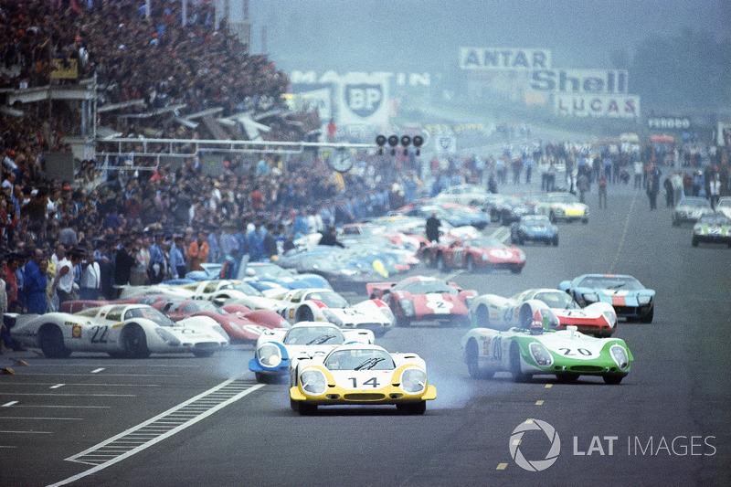 1969 год. Последний «классический» старт Ле-Мана. Лидирует Рольф Штоммелен, Porsche 917