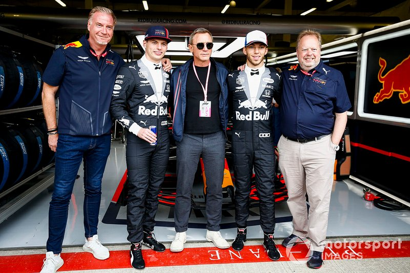 Max Verstappen, Red Bull Racing, Actor Daniel Craig, and Pierre Gasly, Red Bull Racing