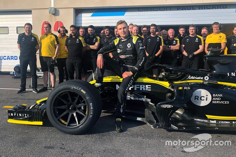Sergey Sirotkin, Renault F1 Team with 18-inch tyres