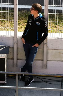 George Russell, Williams, on the pit wall