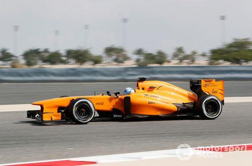 Scambio di sedile tra Johnson e Alonso