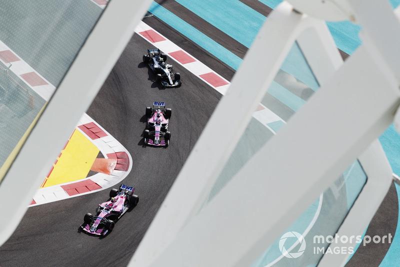 Эстебан Окон и Серхио Перес, Racing Point Force India F1 VJM11, Валттери Боттас, Mercedes AMG F1 W09