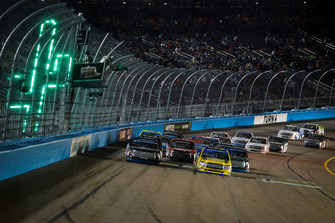 Noah Gragson, Kyle Busch Motorsports, Toyota Tundra Safelite AutoGlass and Grant Enfinger, ThorSport Racing, Ford F-150 Protect The Harvest/Curb Records on final restart
