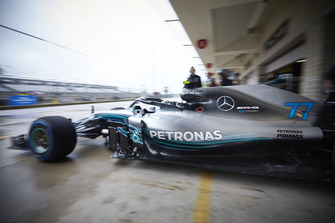 Valtteri Bottas, Mercedes AMG F1 W09 EQ Power+, leaves the garage