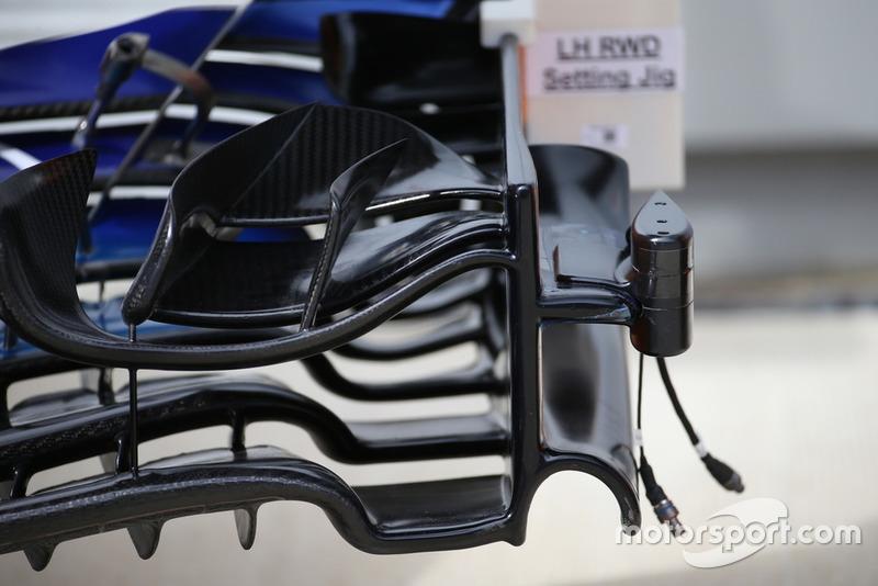McLaren MCL33, első szárny kamerával