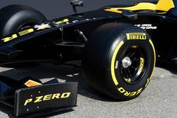 2017 Pirelli band detail