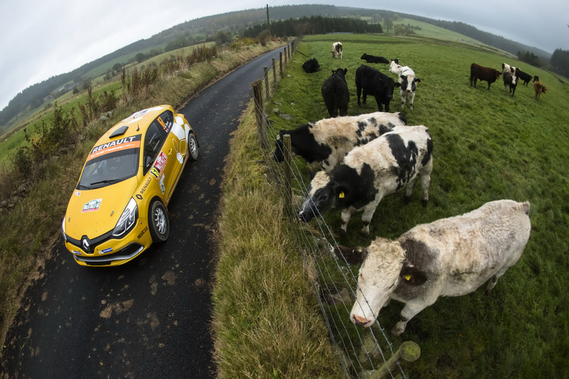Міхаель Буррі, Андерсон Левратті, Renault Clio R3T