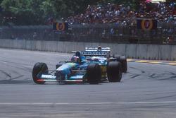 Michael Schumacher, Benetton B194 Ford leads Damon Hill, Nigel Mansell, Williams FW16B Renault
