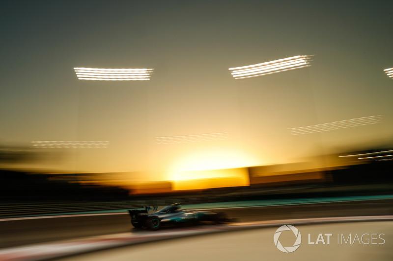 Valtteri Bottas foi o nome da classificação deste sábado (25) em Abu Dhabi. O piloto derrotou o parceiro Lewis Hamilton em um duelo doméstico da Mercedes pela pole position em Yas Marina.