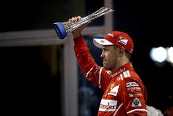 Podio: il terzo classificato Sebastian Vettel, Ferrari