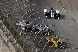 Crash: Will Power, Team Penske Chevrolet, Zachary Claman De Melo, Dale Coyne Racing Honda