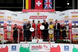 Podium Trofeo Pirelli: Ganador, #8 Octane 126 Ferrari 488: Fabio Leimer, segundo, #1 Octane 126 Ferrari 488: Bjorn Grossmann, tercero #92 Stratstone Ferrari Ferrari 488: Sam Smeeth