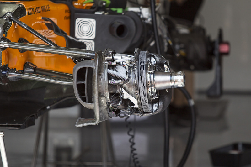 McLaren MCL33 front brake and wheel hub detail