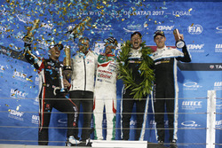 Podium: Worldchampion Thed Björk, Polestar Cyan Racing, Volvo S60 Polestar TC1, Race winner Esteban
