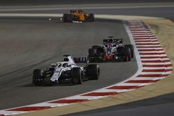 Lance Stroll, Williams FW41 Mercedes, Romain Grosjean, Haas F1 Team VF-18 Ferrari