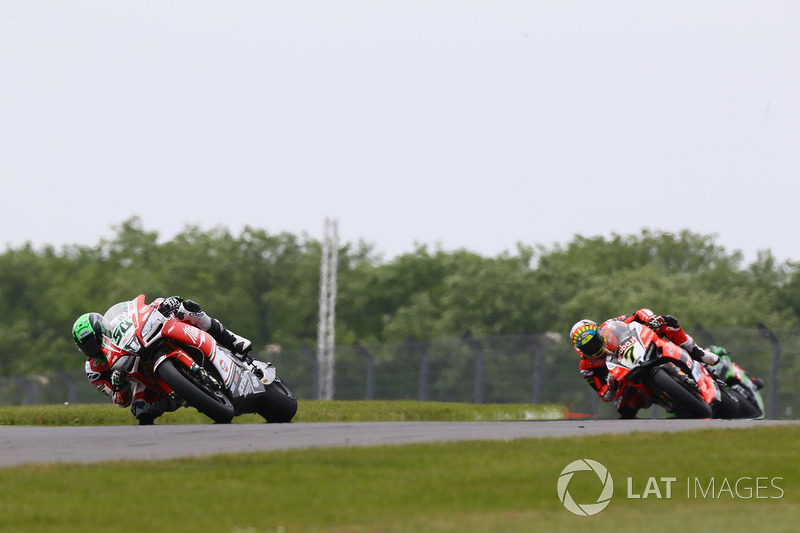 Eugene Laverty, Milwaukee Aprilia, Chaz Davies, Aruba.it Racing-Ducati SBK Team