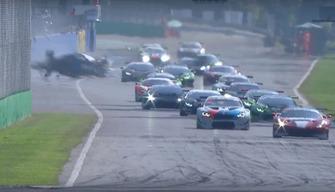 Авария во второй гонке GT Open