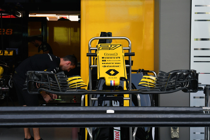 Renault Sport F1 Team RS 18 nose and front wing