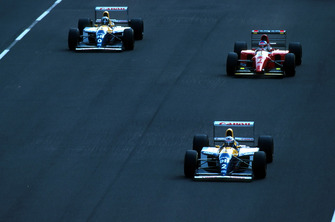 Alain Prost, Williams FW15C, Jean Alesi, Ferrari F93A, Damon Hill, Williams FW15C