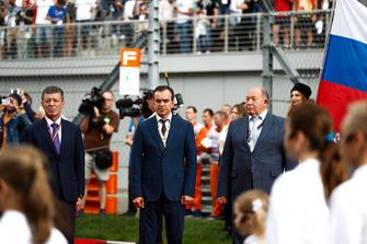 Dimitry Kozak, premier ministre adjoint de Russie et Viktor Kiryanov
