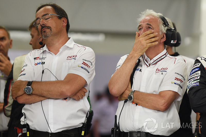 2. Rob Leupen, Team Manager, Toyota Gazoo Racing, reacts to the #9 retirement with Hugues de Chaunac