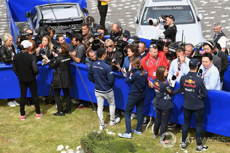 Льюіс Хемілтон, Mercedes AMG F1, Паскаль Верляйн, Sauber, Даніель Ріккардо, Red Bull Racing