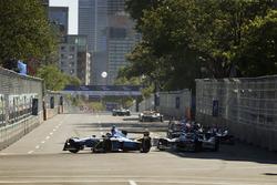 Sébastien Buemi, Renault e.Dams, passes Robin Frijns, Amlin Andretti Formula E Team