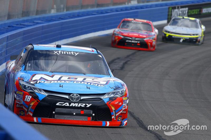 Kyle Busch, Joe Gibbs Racing, Toyota; Erik Jones, Joe Gibbs Racing, Toyota