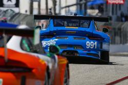 #991 TRG Porsche 911 GT3 R: Wolf Henzler, Jan Heylen