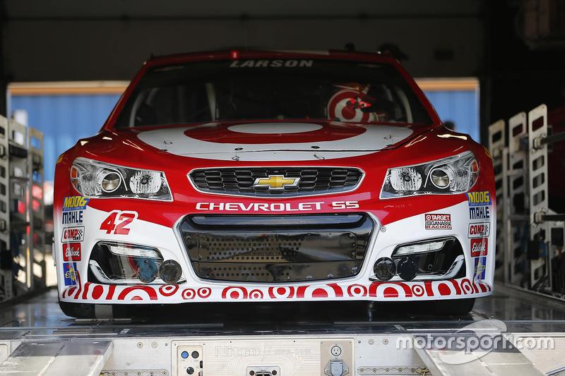 L'auto di Kyle Larson, Chip Ganassi Racing Chevrolet, durante le verifiche