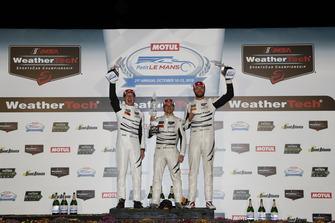 #63 Scuderia Corsa Ferrari 488 GT3, GTD: Cooper MacNeil, Gunnar Jeannette, Daniel Serra podium