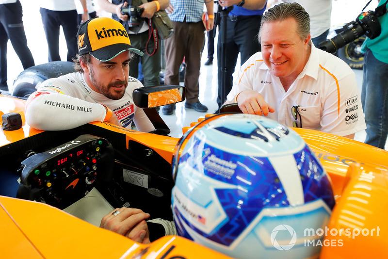Jimmie Johnson en el McLaren, Fernando Alonso, Zak Brown