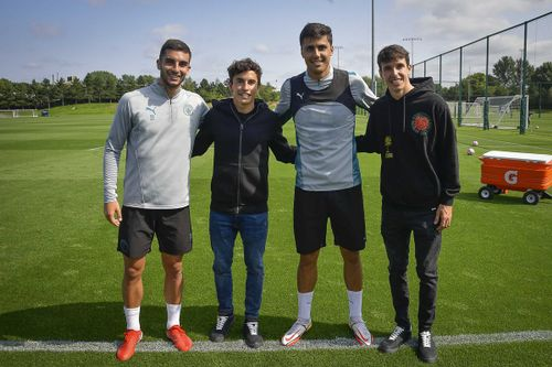 Marquez brothers visit Manchester City