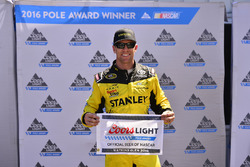 Polesitter Carl Edwards, Joe Gibbs Racing, Toyota