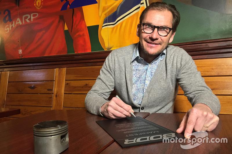 Didier de Radiguès signe le manifeste de la 80 Day Race