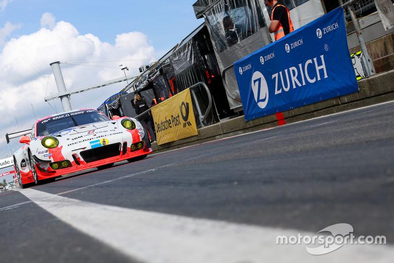 #12 Team Manthey Porsche 997 GT3 R: Otto Klohs, Dieter Schmidtmann, Jens Richter, Robert Renauer