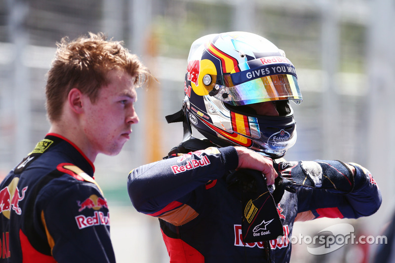 Daniil Kvyat, Toro Rosso con equipo compañero Carlos Sainz Jr., Toro Rosso