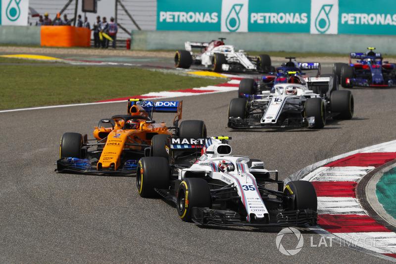 Sergey Sirotkin, Williams FW41 Mercedes, Stoffel Vandoorne, McLaren MCL33 Renault, e Charles Leclerc, Sauber C37 Ferrari