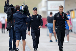 Valtteri Bottas, Mercedes AMG F1 with trainer Antti Vierula
