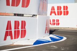 ABB logos en la pista