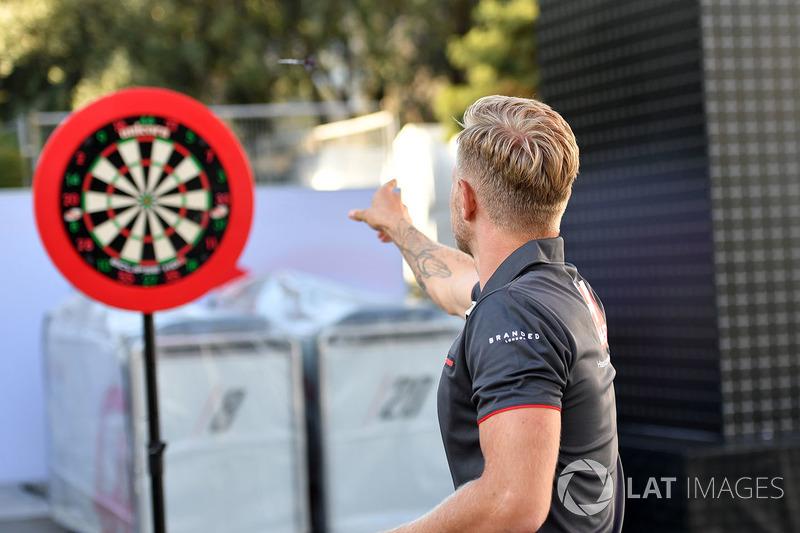Kevin Magnussen, Haas F1 dart oynuyor