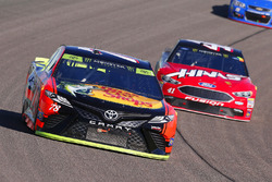 Martin Truex Jr., Furniture Row Racing Toyota, Kurt Busch, Stewart-Haas Racing Ford