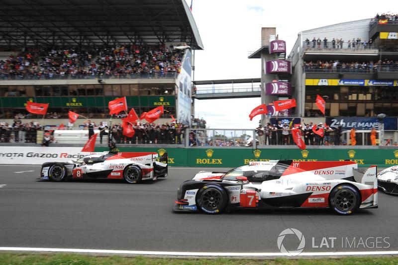 #8 Toyota Gazoo Racing Toyota TS050: Sébastien Buemi, Kazuki Nakajima, Fernando Alonso e #7 Toyota Gazoo Racing Toyota TS050: Mike Conway, Kamui Kobayashi, Jose Maria Lopez