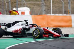 Romain Grosjean, Haas F1 Team VF-18, locks ups